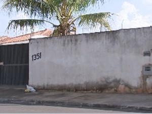 Crime foi nesta casa no Jardim do Bosque (Foto: Reprodução/TV TEM)