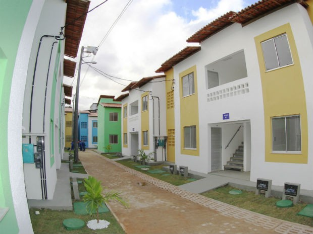 Casas são entregues após incêndio nas palafitas de Alagados, em Salvador (Foto: Manu Dias/GOVBA)