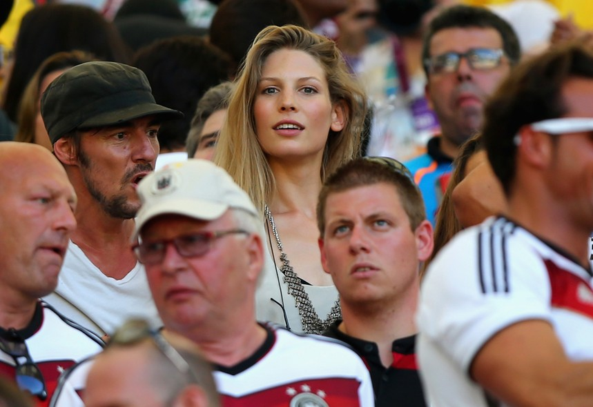 Sarah Brandner, a namorada do jogador alemão Bastian Schweinsteiger, exibiu a beleza típica alemã