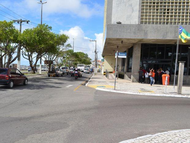 Tráfego pela Av. Ivo do Prado sentido Norte Sul deverá seguir pela Travessa  José 19cbdf270c