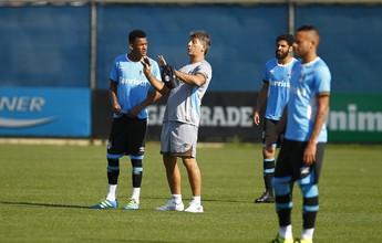 """Renato põe fim a """"médio apoiadores"""" e muda posicionamento de volantes"""