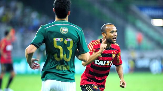 Ananias comemora gol do Sport contra o Palmeiras (Foto: Alan Morici / Agência estado)