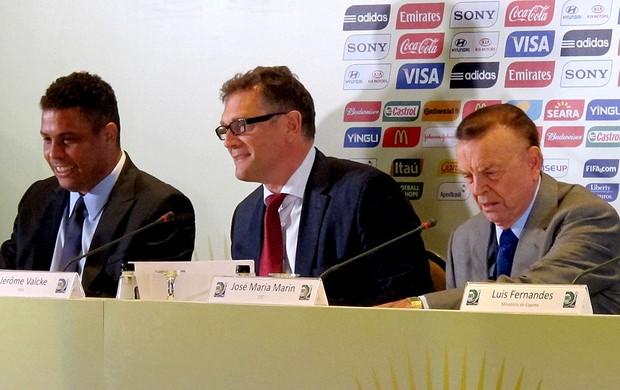 Ronaldo jerome valcke josé maria marin evento apresentação pôster da copa do mundo 2014 (Foto: Marcelo Baltar )
