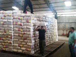 Alimentos são para as famílias atingidas pela seca no interior de Roraima (Foto: Sescon-RR/Divulgação)