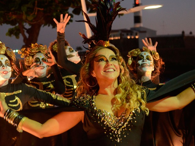 Daniela Mercury inicia desfile do primeiro dia de Crocodilo (Foto: Márcio Reis /Ag Haack)