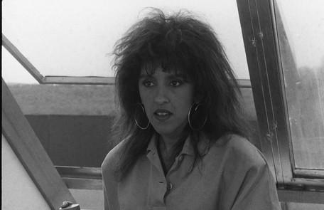 Regina Casé como a atrapalhada Tina Pepper, sucesso em 'Cambalacho', de 1986 Adir Mera