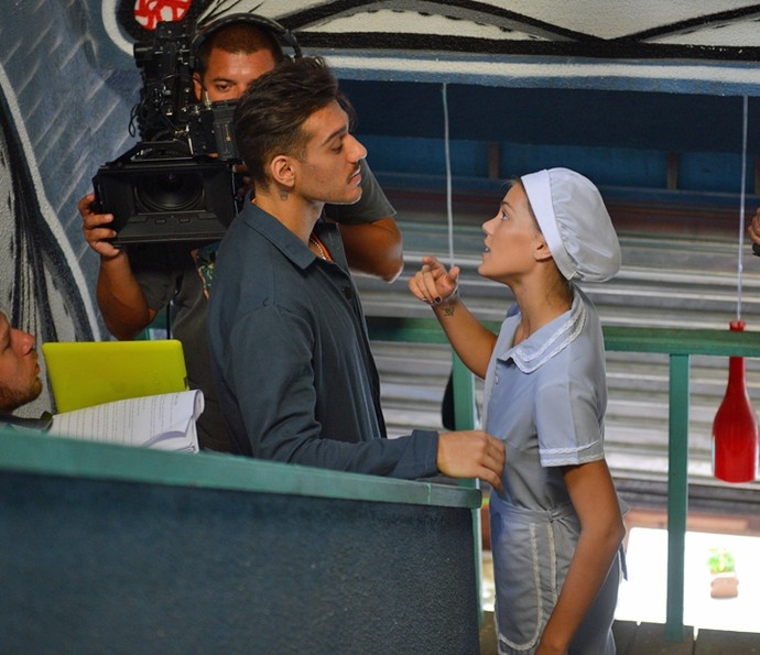 Lucas ensaia com a atriz Pâmela Tomé (Foto: Pedro Carrilho/Gshow)