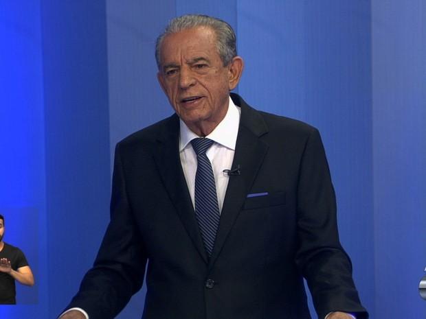 Iris Rezende (PMDB) participa de debate na TV Anhanguera, em Goiânia, Goiás (Foto: Reprodução/TV Anhanguera)