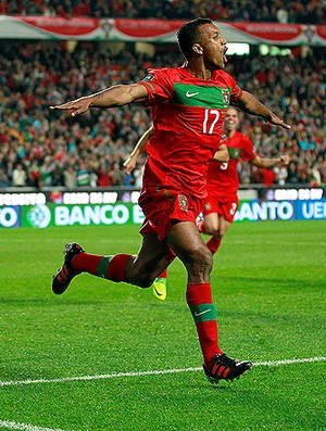nani bosnia x portugal (Foto: AP)