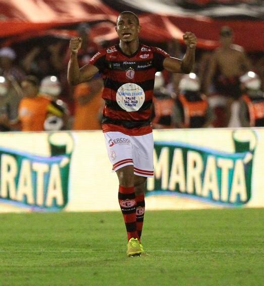 prêmio de consolação (Marlon Costa (Pernambuco Press))