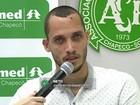 'Situação difícil, mas feliz por estar vivo', diz jogador Neto