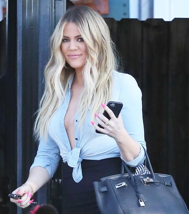 X17 - Khloe Kardashian em Los Angeles, nos Estados Unidos (Foto: X17online/ Agência)