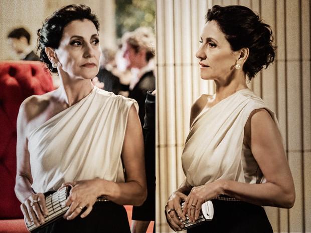 Clutch de Gilda é sofisticada e elegante, dando o retoque final ao look (Foto: Fábio Rocha / TV Globo)