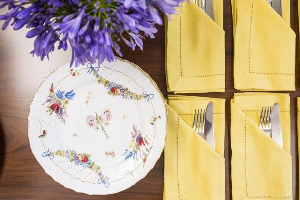 Decoração de mesa: como receber para um aniversário de casamento (Foto: Douglas Daniel)