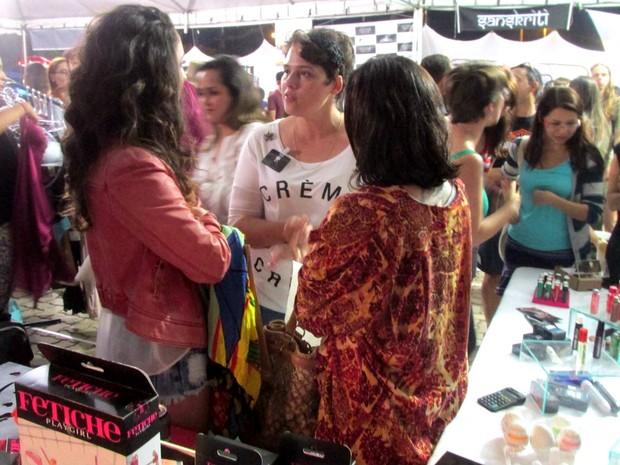 Empresária Jenifer Zimmer vende produtos eróticos em feira colaborativa do Distrito Federal (Foto: Arquivo pessoal)
