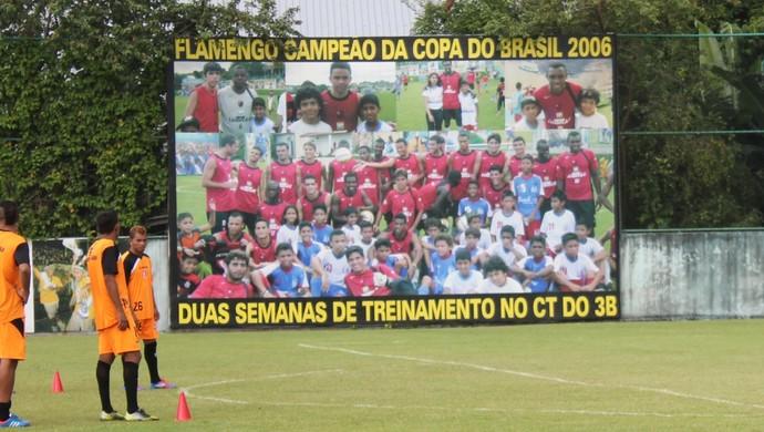 Placa Flamengo (Foto: Isabella Pina)