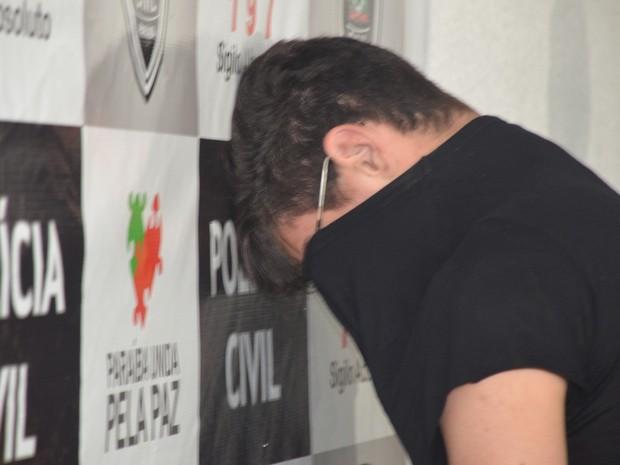 Suspeito de ser partícipe no homicídio de família paraibana na Espanha foi preso em João Pessoa (Foto: Diogo Almeida/G1)