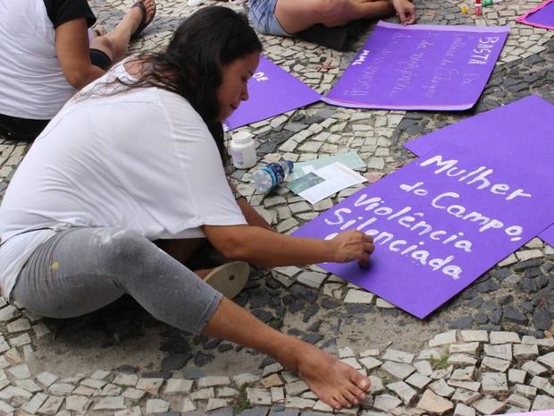 Grupo denunciou a violência contra a mulher (Foto: Ive Rylo / G1 AM)
