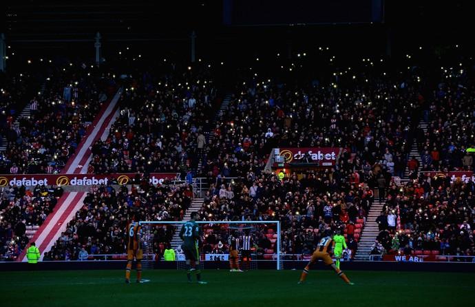 Sunderland x Hull City falta de luz (Foto: AFP)