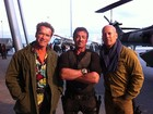 Schwarzenegger, Stallone e Willis mostram foto de &#39;Os mercenrios 2&#39;