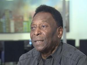 Anúncio de Edinho como treinador do Mogi causa surpresa até em Pelé (Foto: Reprodução / TV Tribuna)