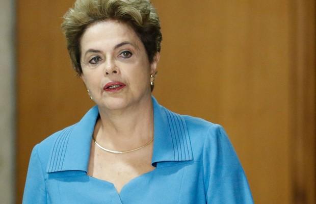 Em redes sociais, Dilma critica demora na concessão do reajuste do Bolsa Família