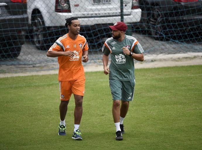 Ronaldinho Gaúcho primeiro treino Flu (Foto: André Durão)