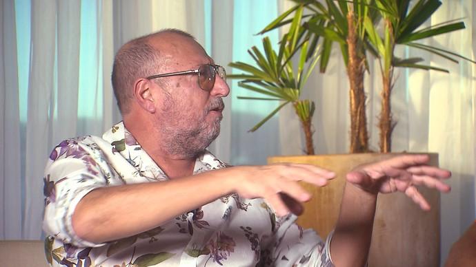 Escritor e jornalista Xico Sá fala sobre as novas configurações de amor (Foto: TV Bahia)