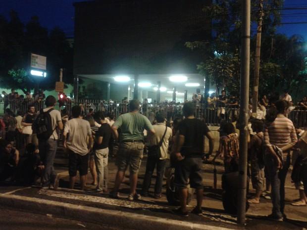 Estudantes ocuparam sede do IFCE e os dois sentidos da Avenida Treze de Maio nesta quinta-feira  (Foto: André Teixeira/G1 CE)