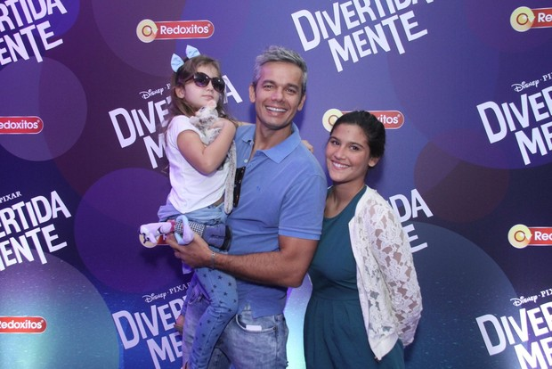 Otaviano Costa com a filha e a enteada, Giulia (Foto: Thyago Andrade / Foto Rio News)