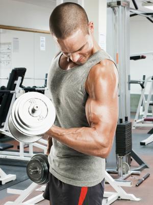 Homens malhando musculação euatleta (Foto: Getty Images)