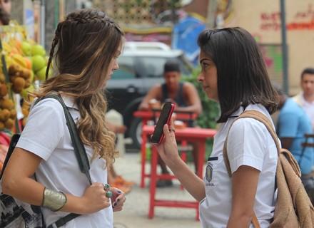 Krica desconfia que Alina espalhou a notícia de Jorge