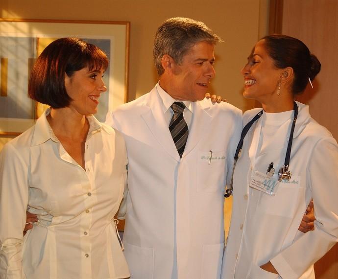 Em 2003, ele conquistou o público feminino como César, em 'Mulheres Apaixonadas' (Foto: CEDOC/TV Globo)
