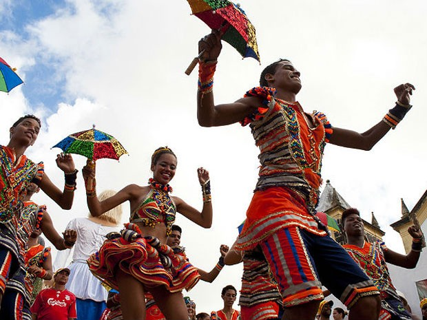 Em Olinda, 250 passistas se apresentam no Pátio de São Bento (Foto: Divulgação)