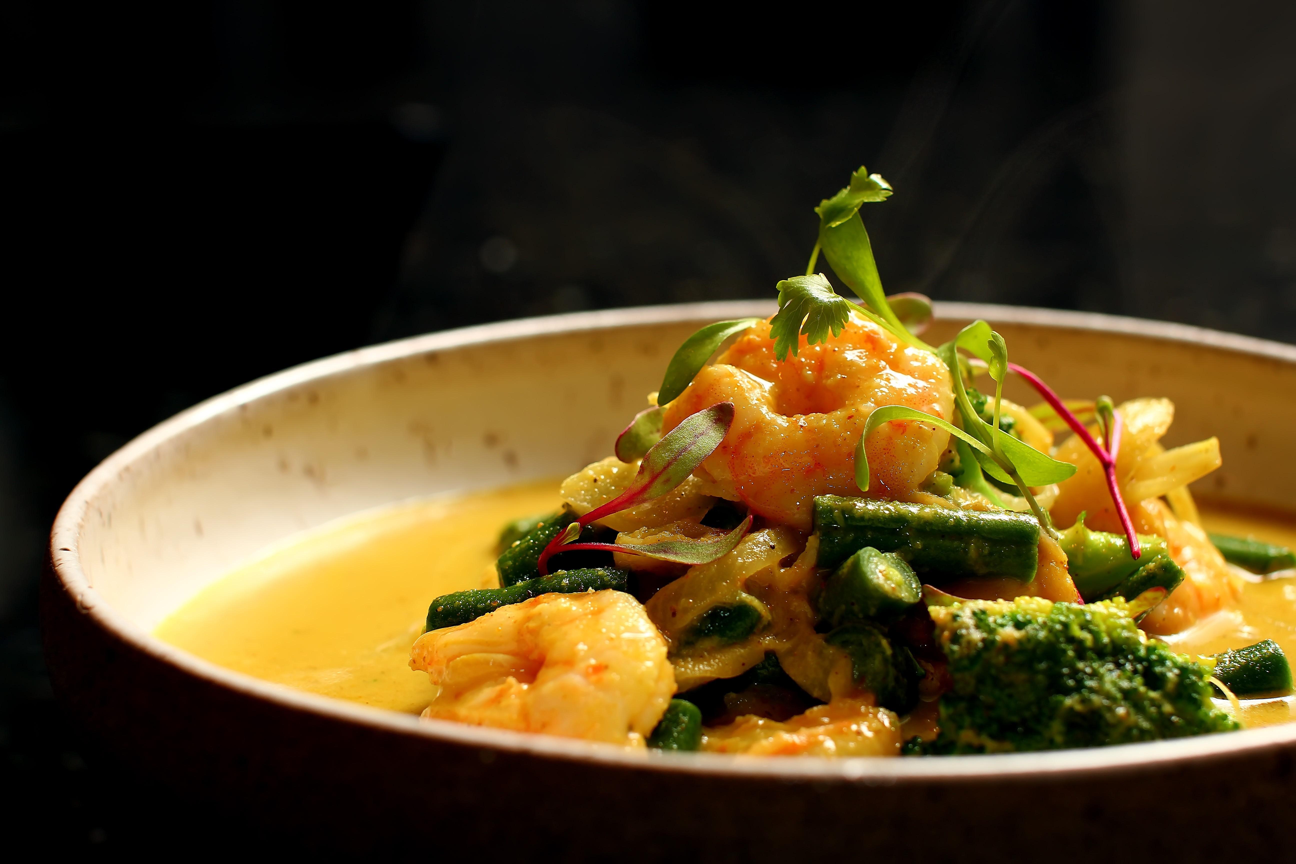 O curry thai de camarão com abacaxi do Prosa na Cozinha (Foto: Thiago Sodré)