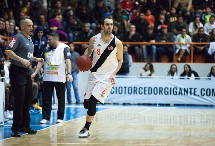 Gaúcho foi o cestinha com 21 pontos e eleito MVP das finais (Foto: Allan Conti/LNB)