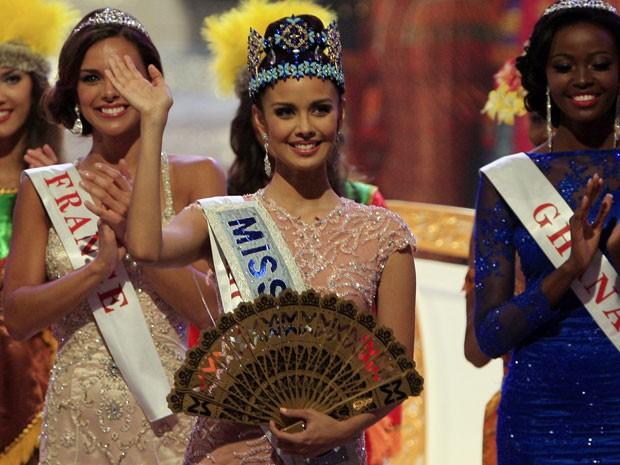 Megan Young foi coroada neste sábado (28) (Foto: Firdia Lisnawati/AP)