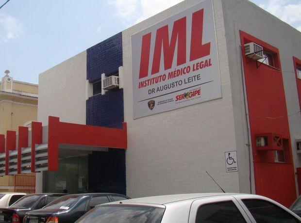 Prédio do Instituto Médico Legal (IML) em Aracaju (SE) (Foto: Fredson Navarro/G1 SE)