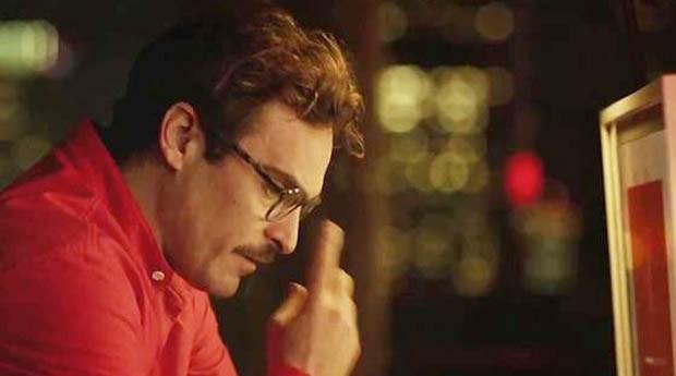 No filme 'Ela', o protagonista Theodore vive um romance com Samantha, um sistema operacional inteligente (Foto: Divulgação )