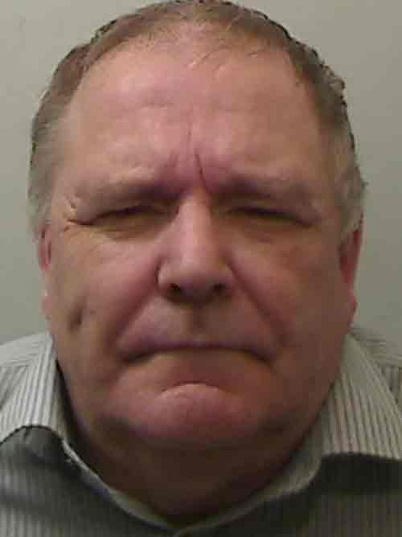 Keith Baker, de 61 anos, foi condenado a 15 anos de prisão  (Foto: Polícia da Irlanda do Norte/BBC)