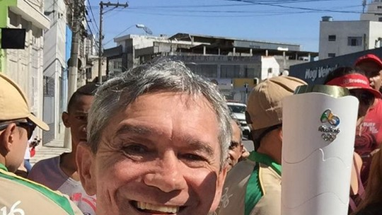 Serginho Groisman mostra os bastidores do revezamento da tocha olímpica