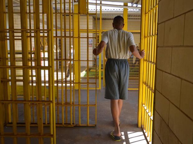 Jovem de 16 anos sonha cursar faculdade após sair da Fundação Casa em Ribeirão Preto, SP (Foto: Cristiane Araújo/G1)