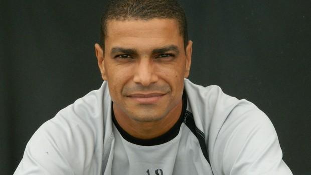 Fabiano, meia do XV de Piracicaba (Foto: Guto Marchiori)
