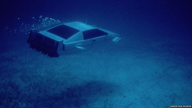 Os veículos, entre eles o Lotus Espirit branca de 'A Espiã Que Me Amava', que também servia de submarino, serão exibidos no London Film Museum, (Foto: London Film Museum)