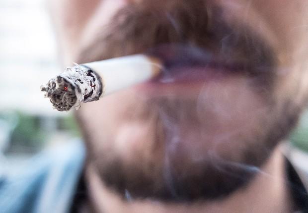Cigarro ; tabagismo ; fumo ; fumar cigarro ; saúde ;  (Foto: Rafael Neddermeyer/Fotos Públicas)