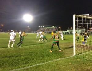 Vilhena e Sampaio empataram em 2 a 2 pelas oitavas de final (Foto: Flávio Godoi/ Globoesporte.com)