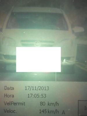 Veículo foi flagrado a 145 km/h no trecho da BR-158 onde o limite é de 80 km/h; infração é gravíssima (Foto: Polícia Rodoviária Federal / Divulgação)