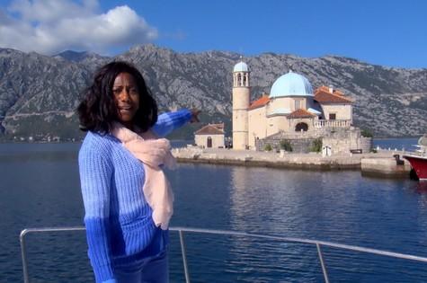 Glória Maria vai explorar Montenegro para o 'Globo repórter' (Foto: Divulgação)