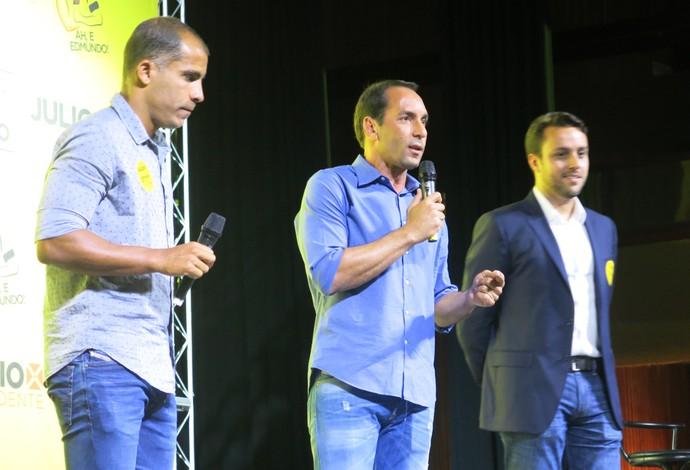 Edmundo e Felipe Convenção Vasco Julio Brant (Foto: Edgard Maciel)
