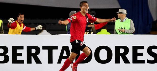 Richard Ruiz comemora gol do Tijuana sobre o Millionarios (Foto: EFE)